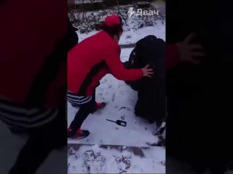 Арестовали за маску в Березниках полиция напала на мужчину с ребенком