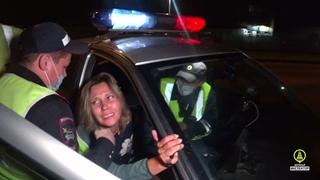 В Перми, после погони, нетрезвая женщина на Renault укусила инспектора ДПС.