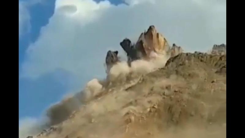 Катастрофический оползень в ущелье Кара Кече Киргизия 15 сентября 2020 года
