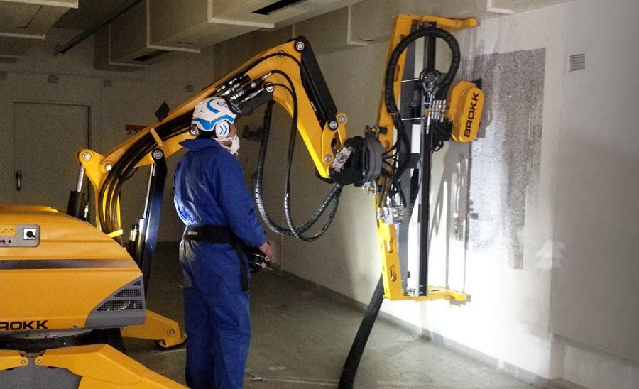 Роботы Brokk подходят для аварийно-спасательных работ и атомной промышленности