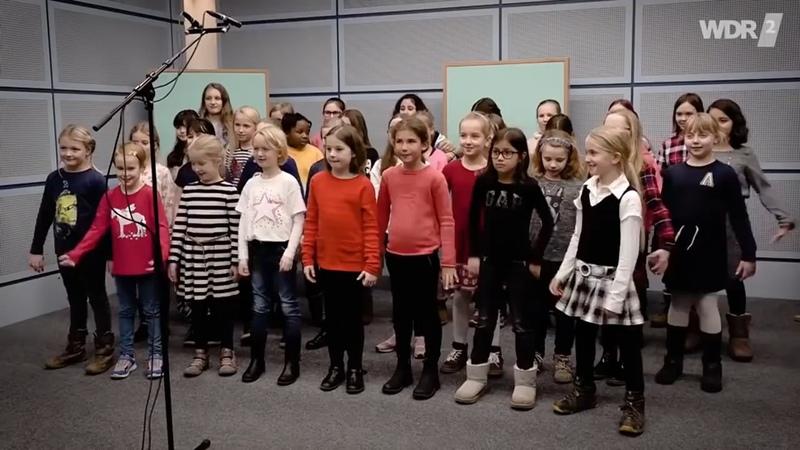 AE News Německé vysílání pro děti Moje babička je staré ekologické prase CZ Titulky