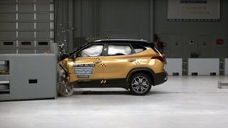2021 Kia Seltos driver-side small overlap IIHS crash test