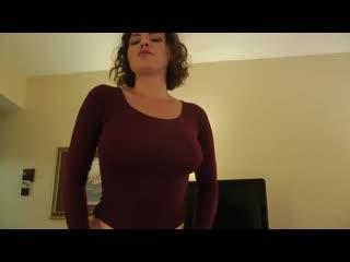 Спалила сына за дрочкой и решила помочь порно инцест
