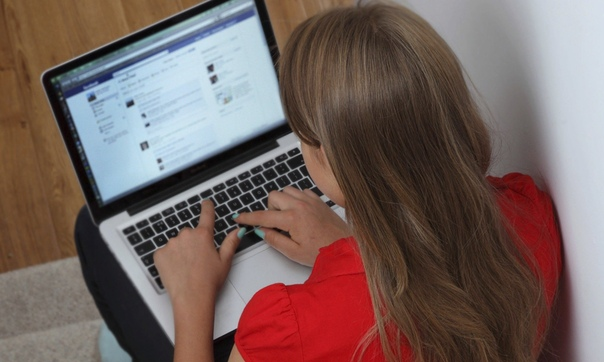 Специалисты рассказали об опасных поисках подростков через соцсети в Подмосковье