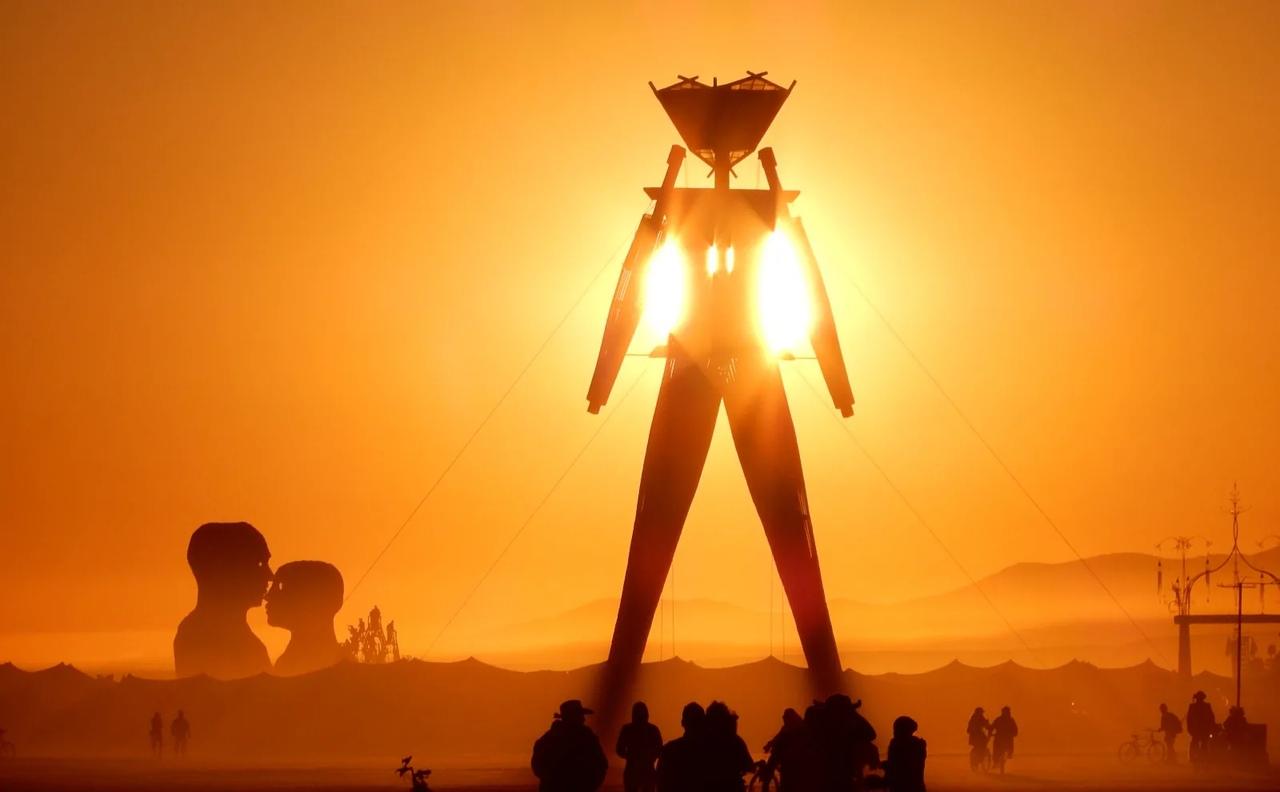 Фестиваль Burning Man 2020