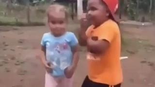Непосредственность детская всегда умиляет! 😁👍