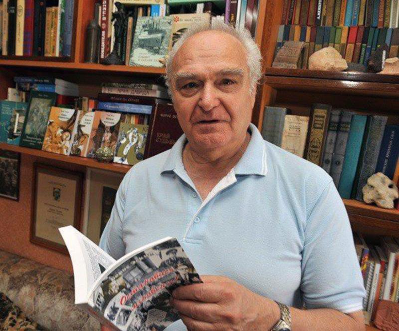 Умер писатель Борис Эскин