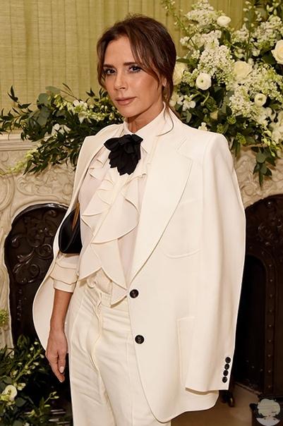 Ирина Шейк, Виктория Бекхэм, Шарлиз Терон и другие на вечеринке журнала Vogue в Лондоне Вчера в Лондоне прошла церемония вручения премии BAFTA. Официальная часть с вручением наград (триумфатором