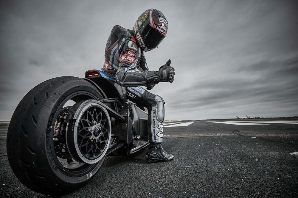 Макс Бьяджи на Voxan Wattman установил рекорд скорости для электрических мотоциклов