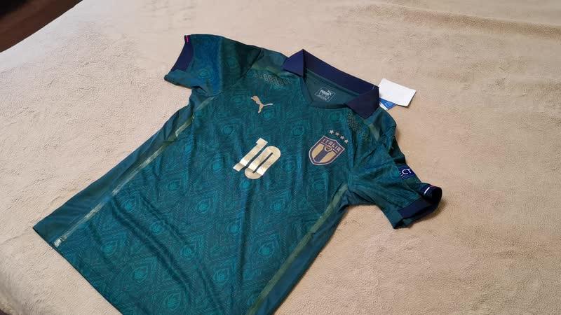 Обзор игровой версии резервной футболки Италии