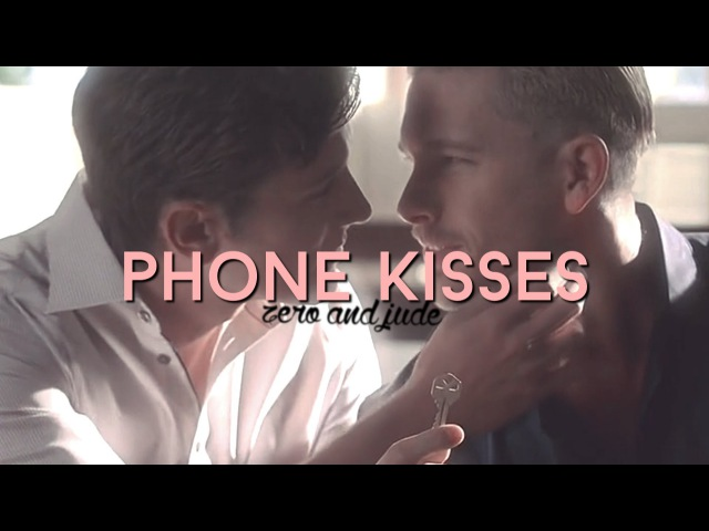 Phone kisses zude