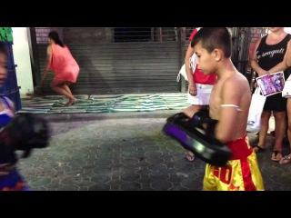 10 year old Muay Thai Girl fights in Walking Street, Pattaya, Thailand