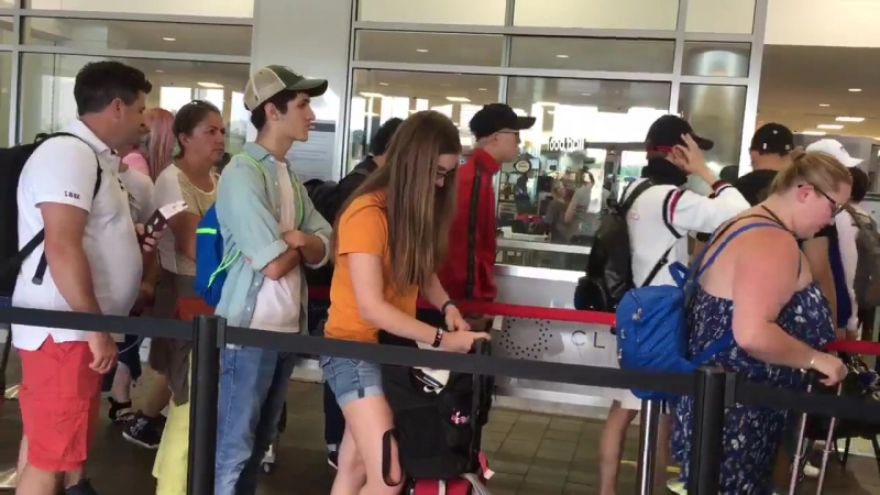 [Fancam][15.07.2017] LaGuardia Airport(LGA NYC)