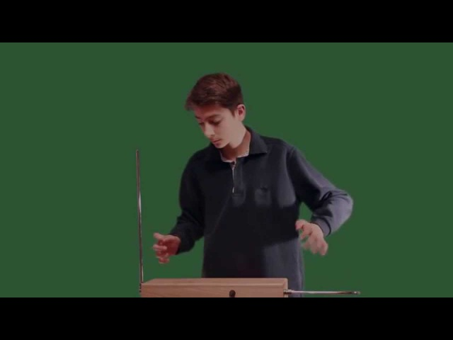 Debussy Clair de Lune on the theremin