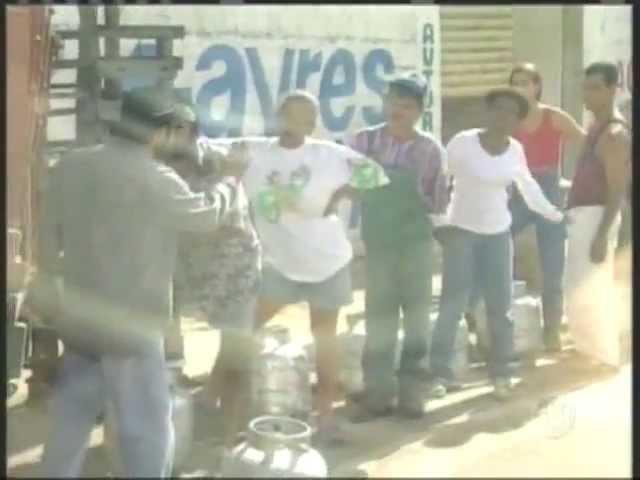 Bomba na Fila do Gás Pegadinha com Ivo Holanda Programa Silvio Santos