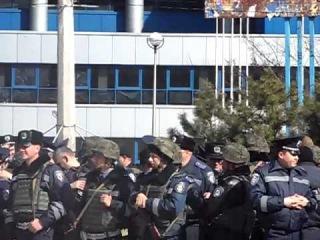 Укрофашистское стадо решило в Мариуполе провести сбор ,готовят баранов на убой .