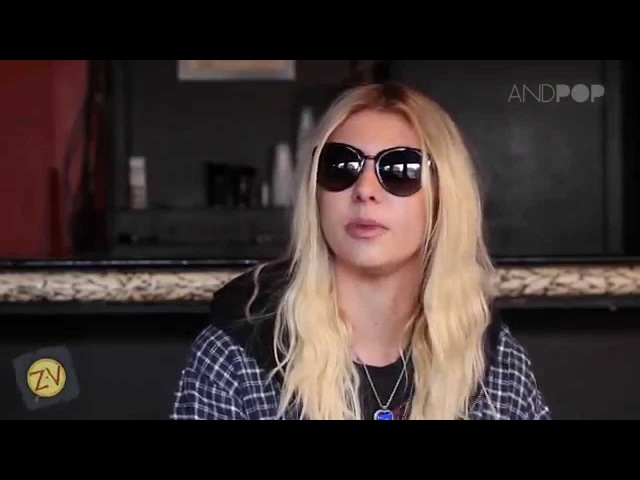 Small Talk with Taylor Momsen of The Pretty Reckless - Interview (Русский перевод)