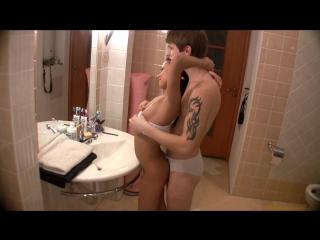 Паренек трахает русскую няшку в ванной новое порно 2017, porno русское