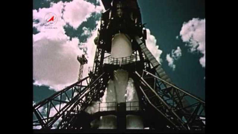 12 апреля 1961 года первый человек в космосе Юрий Гагарин