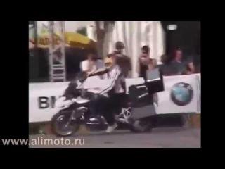 Стантрайдинг на тяжелых мотоциклах (трюки)