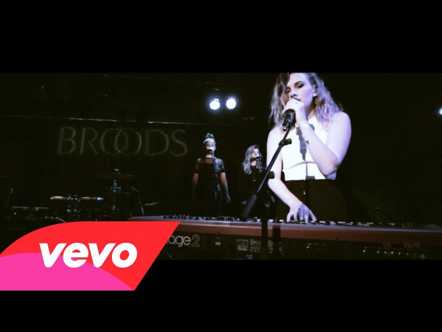 Broods Four Walls Live With Lyrics
