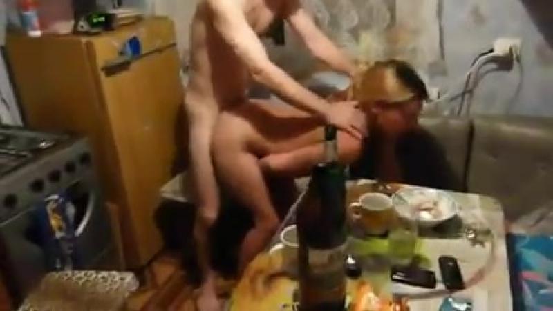 Вульгарную именинницу трахает мулат на вписке порно фото бесплатно