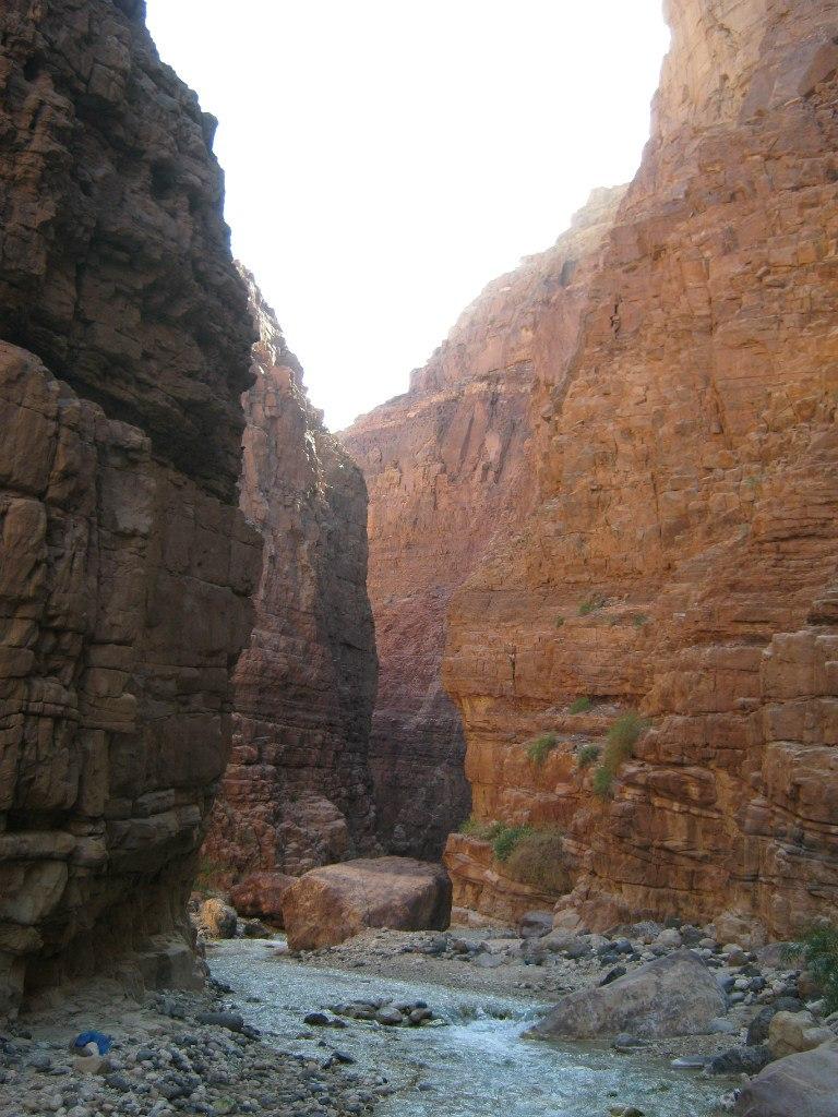 каньон у мёртвого моря