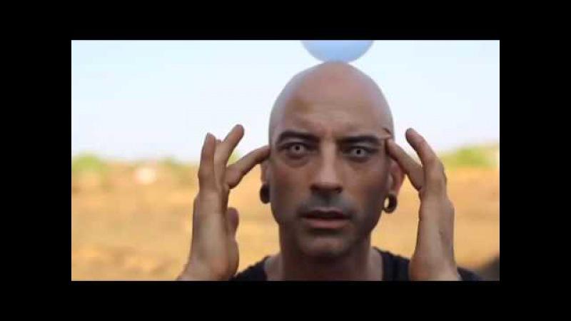 Jyoti - Illusionist - magie - contact junggling - goa - india