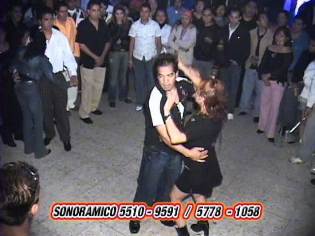 LA NIÑA DESCARADA lo mejor de youtube en bailes callejeros en la ciudad de mexico