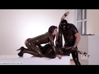 Latex lucy, lucia love - anal bdsm sandwich and pee in her mouth [hd 720, all se