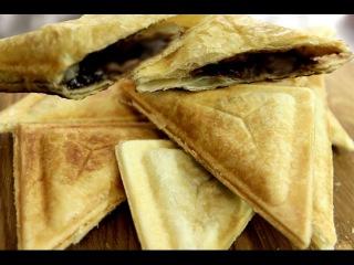 Сладкие сэндвичи с бананами и шоколадной пастой