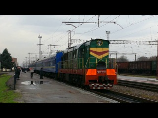 Смена локомотива ЧС2-426 на ЧМЭ3-1651 по ст. Новомосковск-Днепровский