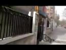 Джихадистская минометная ракета падает на жилые районы в Damascus Сирийские солдаты бросаются на место происшествия чтобы про