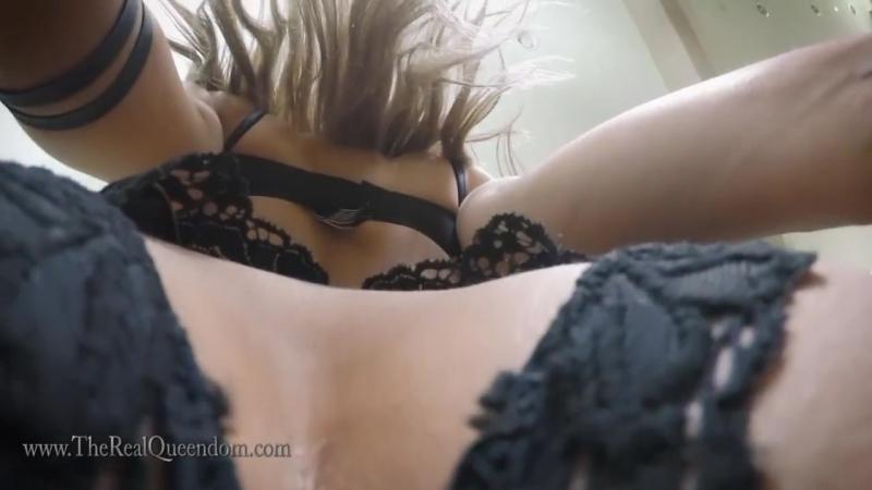 SEXY MISTRESS GIRL FACESITTING POV sexy, piss, farting, jei, pissing, toilet, strapon, slut, spitting, ass,