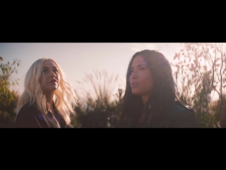 Christina aguilera fall in line (official video) ft. demi lovato