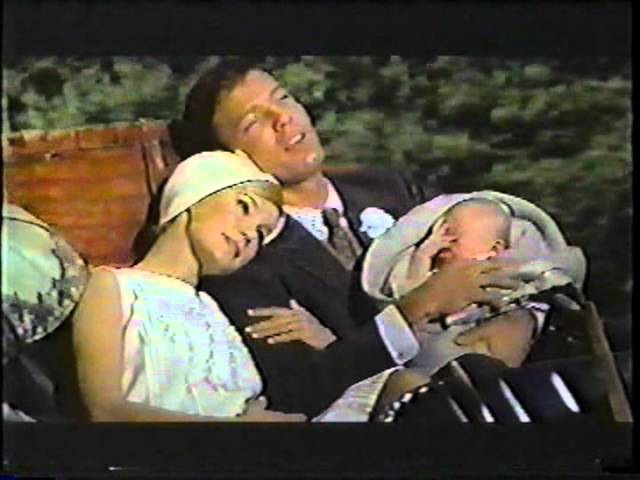 Richard Chamberlain sings in Joy In The Morning