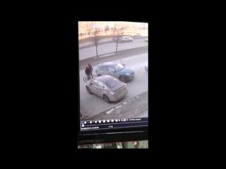 Инспекторы ГИБДД просят откликнуться водителя Мазды