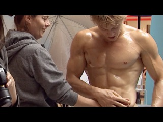 Seducing Girls With Six Pack Abs, Naked Construction Worker, Misplaced Cellphone Prank