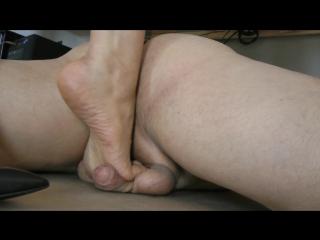 Goddess leyla ball crush / foot fetish