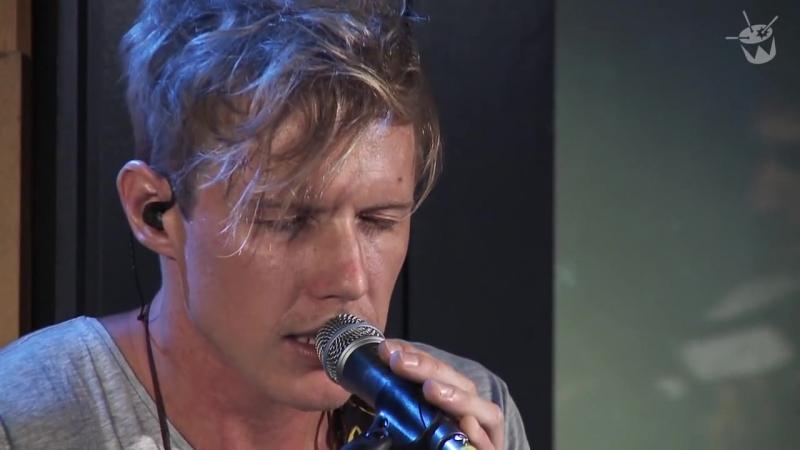 RÜFÜS Sundream live on triple j
