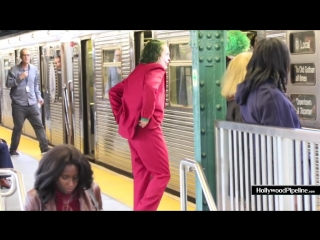 New video - joaquin phoenix films chase scene for joker - dashes on to brooklyn subway