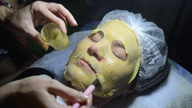 накладывание успокаивающей маски