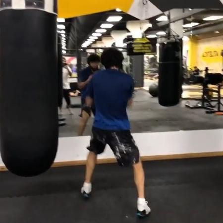 Zabit Magomedsharipov on Instagram Утренняя тренировка с @mansur uchakaev dfteam @mansur uchakaev dfteam @bambathanov m 👊🏽👊🏽👊🏽 dfteam mma