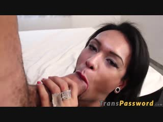 Freaky_trans_babe_works_works_wonders_on_a_massive_dick_720p