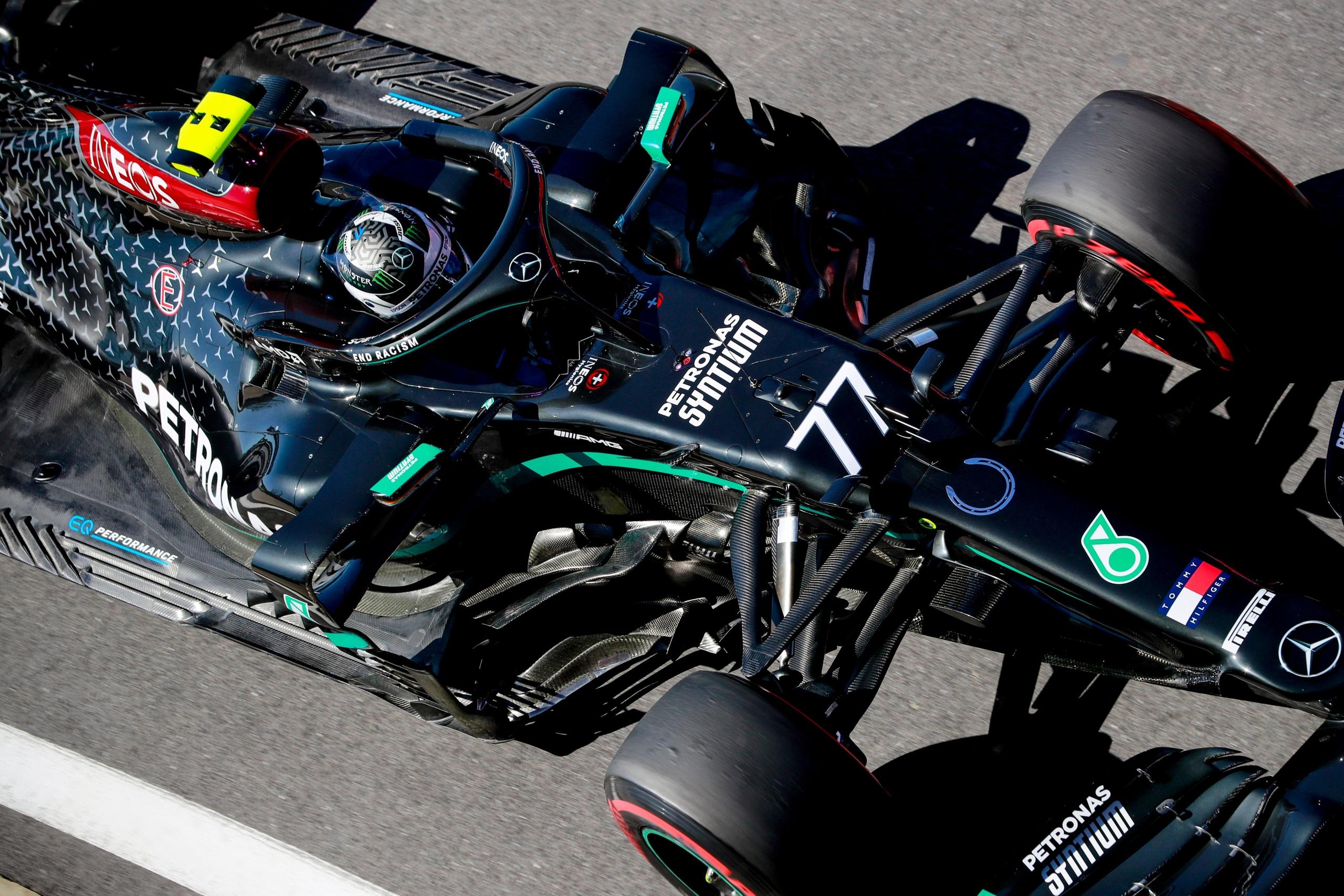Валттери Боттас выигрывает квалификацию гран-при 70-летия Формулы-1