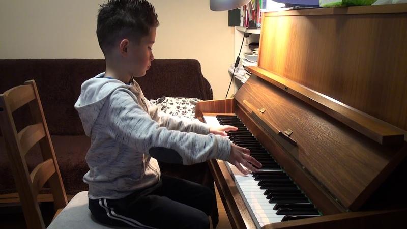 Bach: Prelude C-dur by Michael Vinnikov