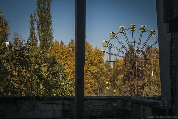 В городе Припять снова крутится колесо обозрения, которое было неподвижно 33 года