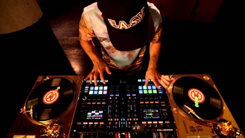 DJ Shiftee with Traktor Control S8