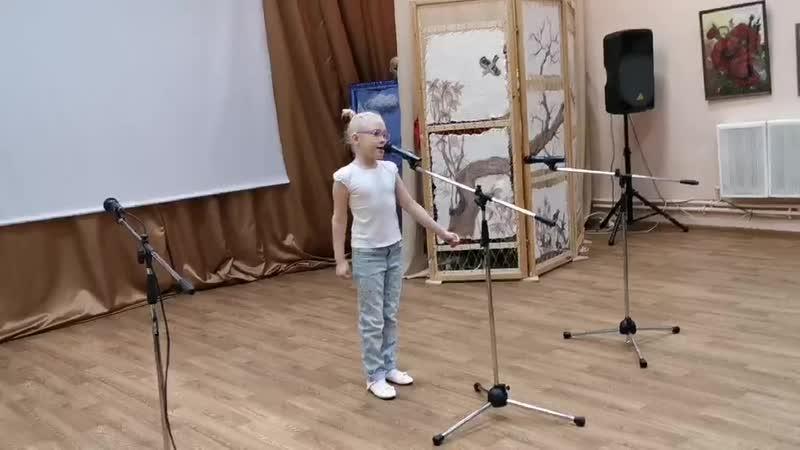 Коломникова Настя Модница