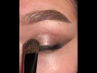 Симпатичная идея для новогоднего макияжа